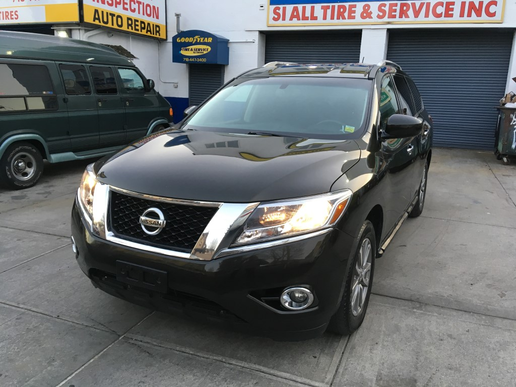 Used Car - 2016 Nissan Pathfinder SV 4x4 for Sale in Staten Island, NY