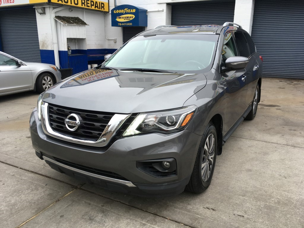Used Car - 2017 Nissan Pathfinder SV 4x4 for Sale in Staten Island, NY
