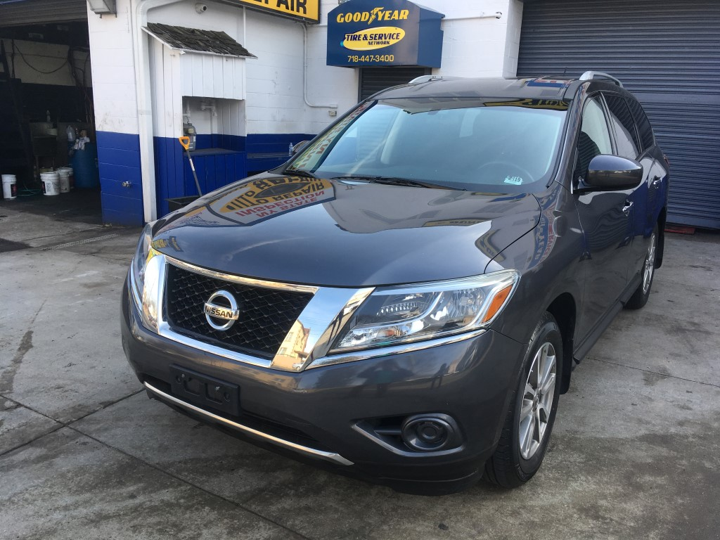 Used Car - 2014 Nissan Pathfinder SV 4x4 for Sale in Staten Island, NY