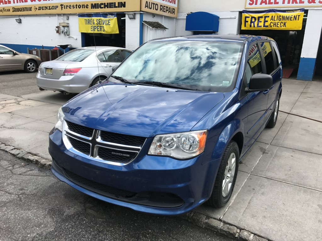 Used Car - 2011 Dodge Grand Caravan for Sale in Staten Island, NY