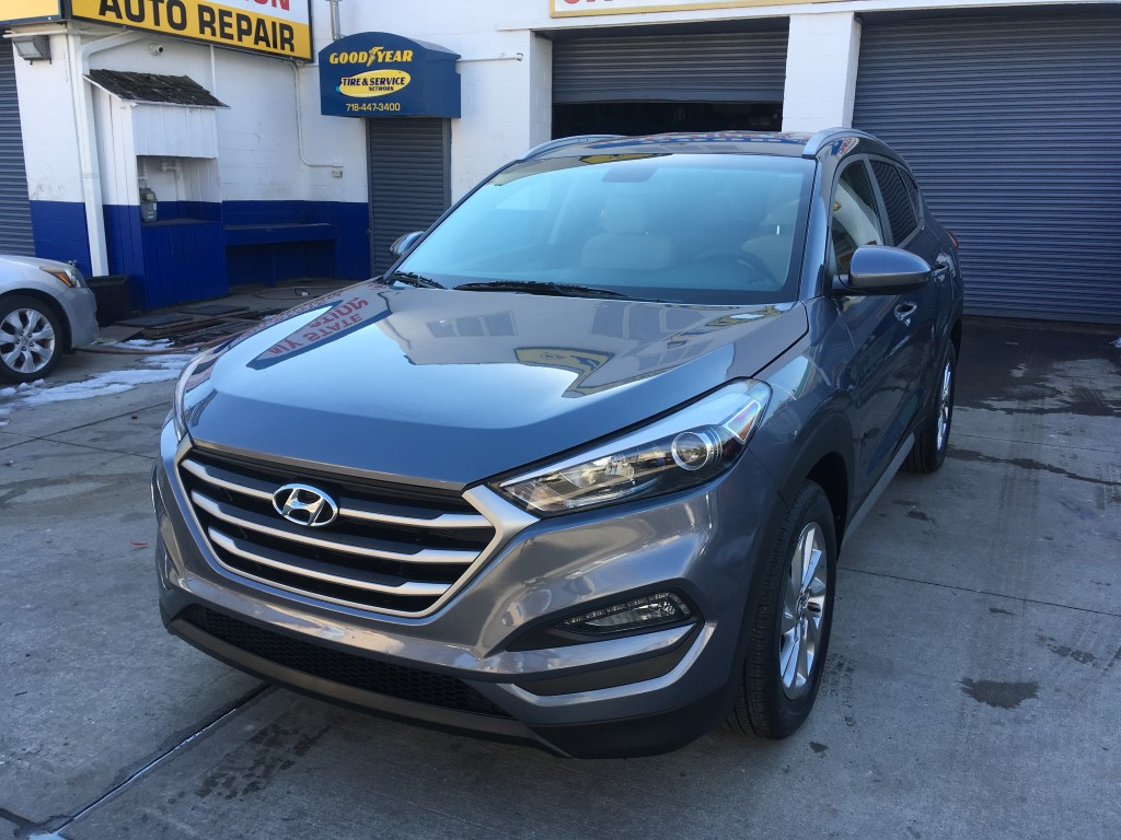 Used Car for sale - 2018 Tucson SEL AWD Hyundai  in Staten Island, NY