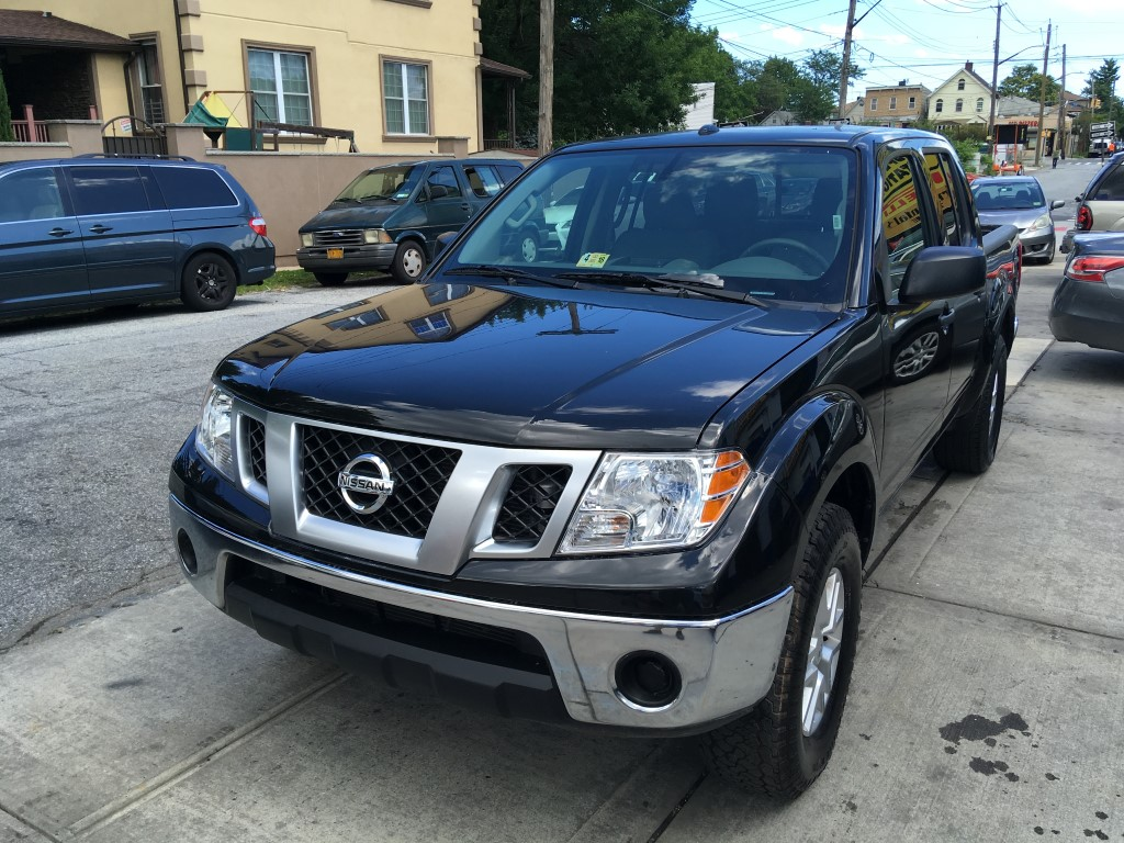 Used Car - 2017 Nissan Frontier SV 4x4 Crew Cab for Sale in Staten Island, NY