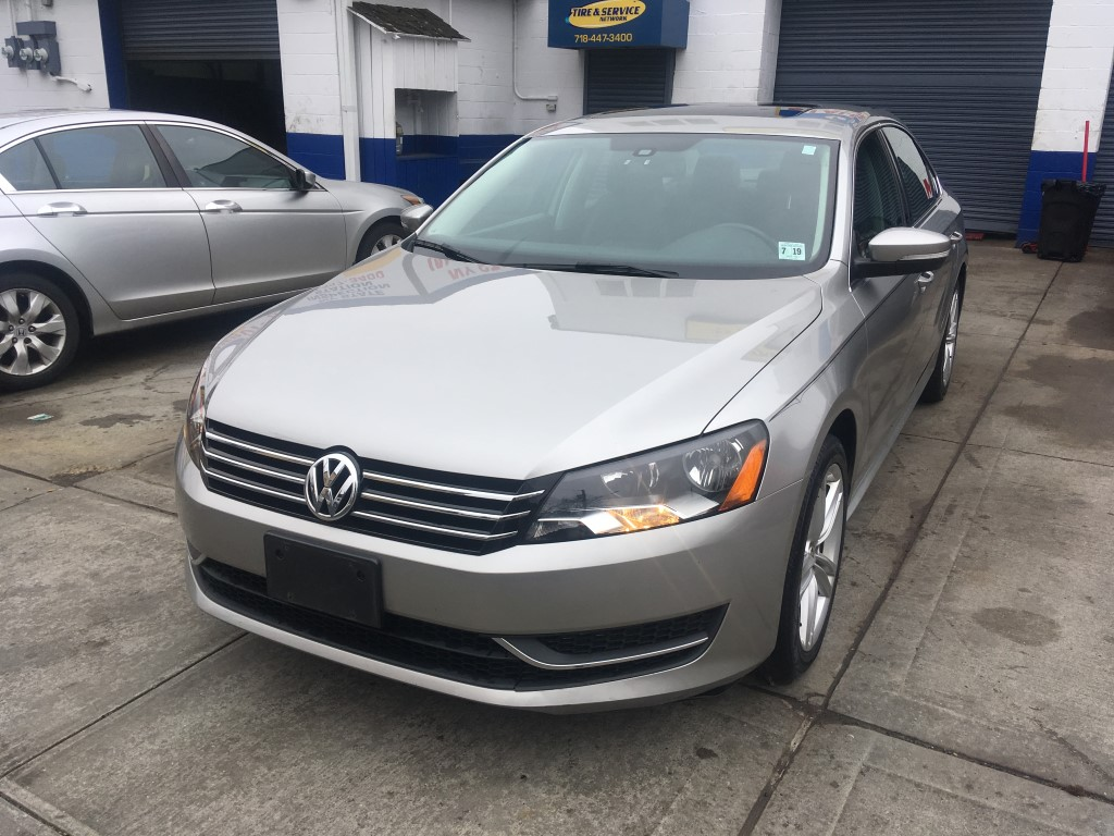 Used Car - 2014 Volkswagen Passat SE for Sale in Staten Island, NY