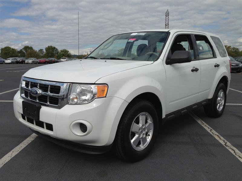 offers used car for sale 2010 ford escape xls sport utility awd 10 990. Black Bedroom Furniture Sets. Home Design Ideas