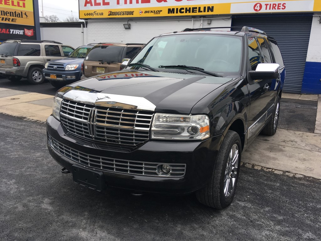 Used Car - 2010 Lincoln Navigator Base 4x4 for Sale in Staten Island, NY