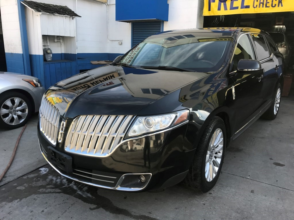 Used Car - 2011 Lincoln MKT for Sale in Staten Island, NY