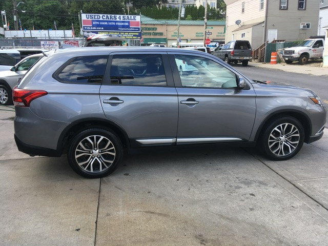 Used - Mitsubishi Outlander SE AWD SUV for sale in Staten Island NY