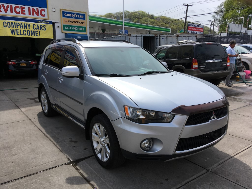 Used - Mitsubishi Outlander SE SUV for sale in Staten Island NY