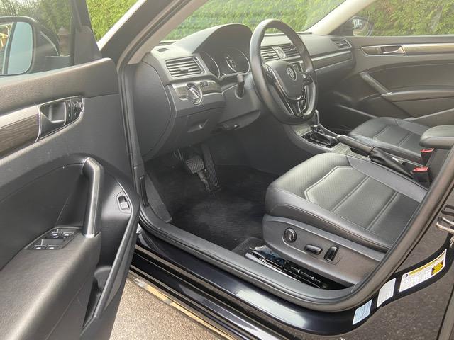 Used - Volkswagen Passat SE Sedan for sale in Staten Island NY