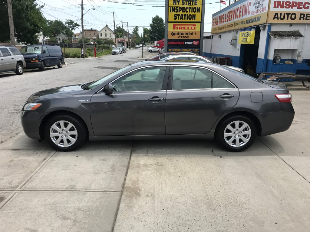 Used - Toyota Camry XLE Sedan for sale in Staten Island NY