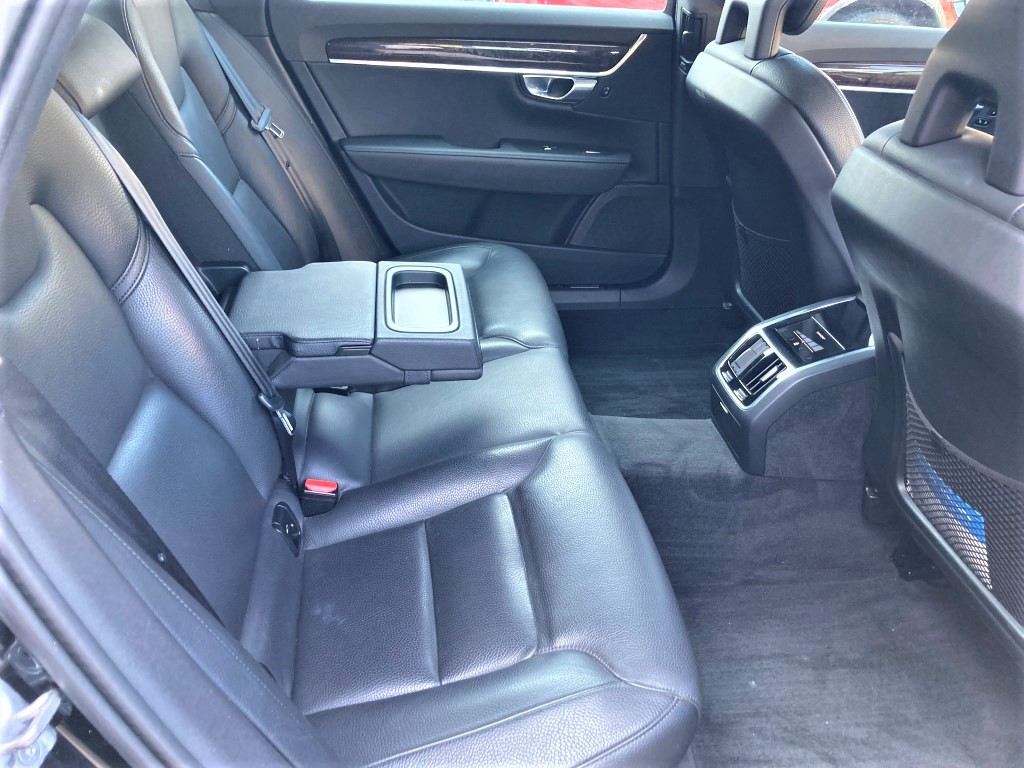 Used - Volvo S90 T5 Momentum AWD Sedan for sale in Staten Island NY