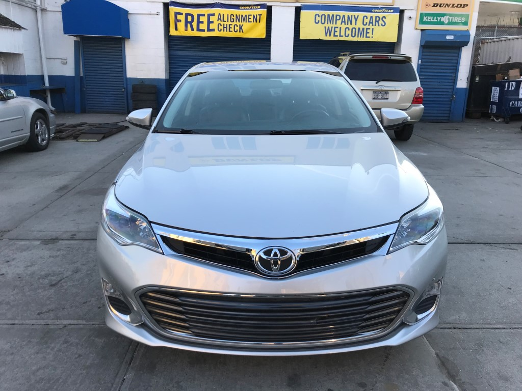 Used - Toyota Avalon XLE Sedan for sale in Staten Island NY