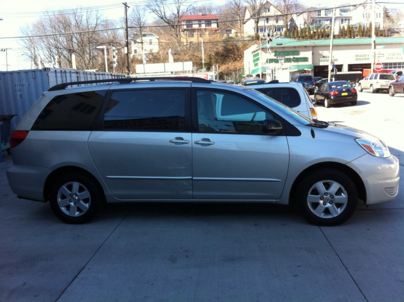 Model Some Used Vehicles May Have Unrepaired Safety Recalls You Can Check Recall Status By VIN At Httpswwwsafercargov 2000 Toyota Sienna XLE 30L V6 MPI FWD New Price! Sienna XLE, 4D Passenger Van, 30L V6 MPI, 4Speed