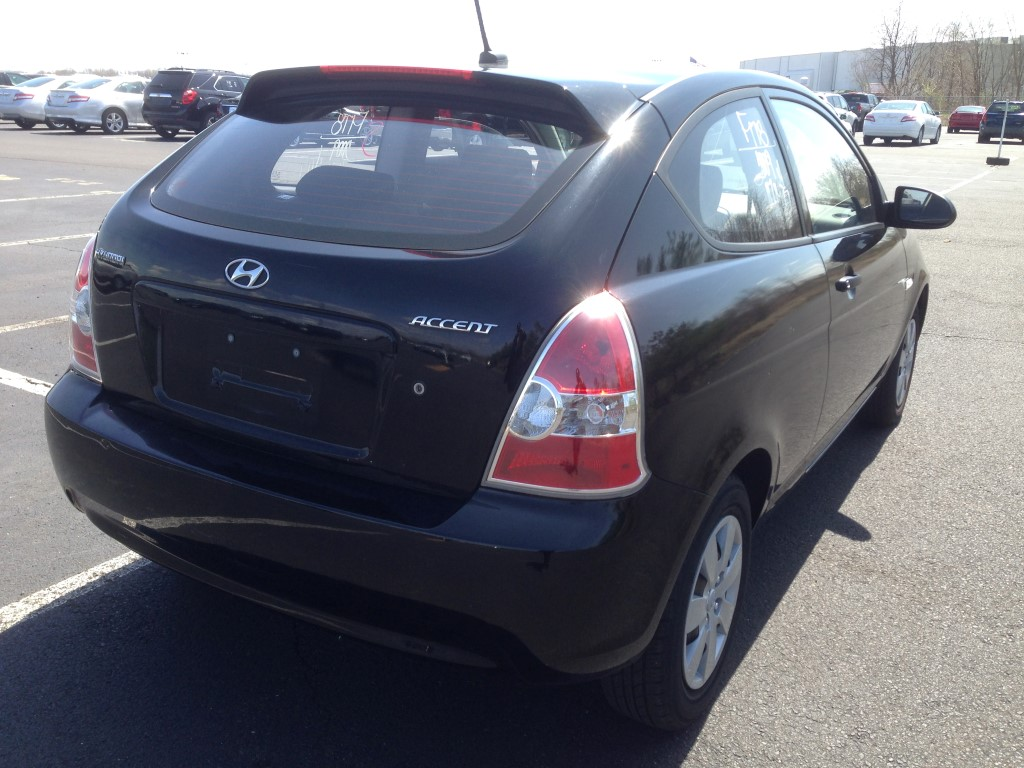 used 2009 hyundai accent hatchback 3 dr 4. Black Bedroom Furniture Sets. Home Design Ideas