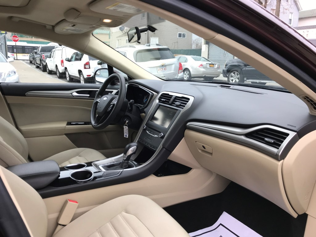 Used - Ford Fusion SE Sedan for sale in Staten Island NY