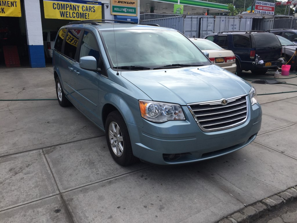 used 2008 chrysler town country touring minivan 6. Black Bedroom Furniture Sets. Home Design Ideas