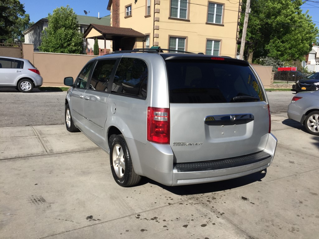 Used 2008 Dodge Grand Caravan Sxt Minivan 4 990 00