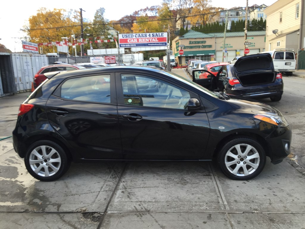 Used 2014 Mazda Mazda2 Touring Hatchback $7,990.00