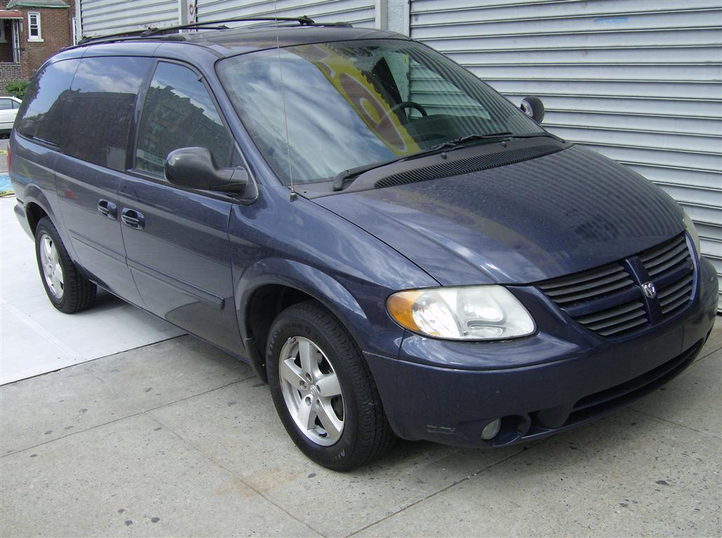 offers used car for sale 2005 dodge caravan minivan 4 in staten. Black Bedroom Furniture Sets. Home Design Ideas