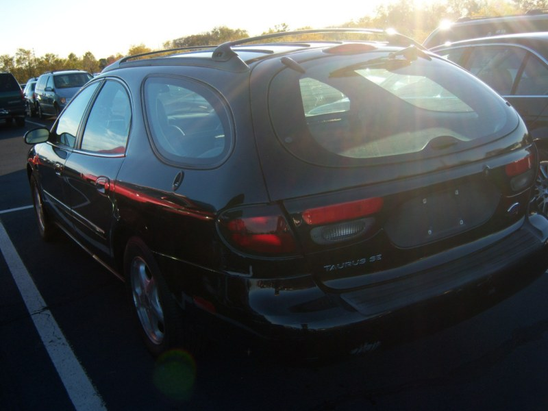 Used 2000 Ford Taurus Station Wagon $1,999.00