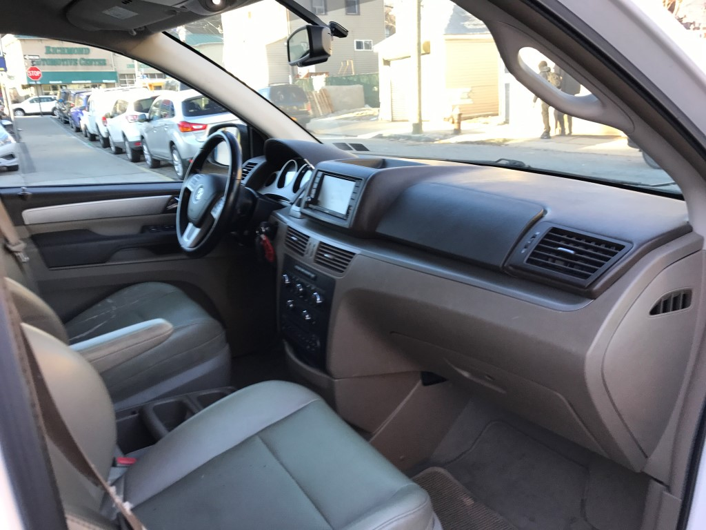 Used - Volkswagen Routan SE Minivan for sale in Staten Island NY