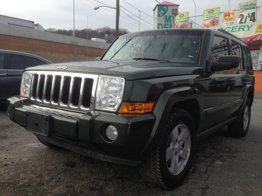 Pre-owned Car CommanderJeep