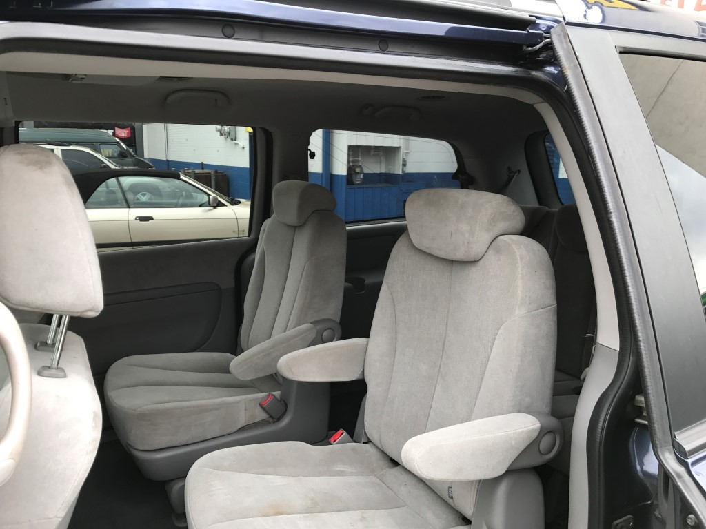 Used - Kia Sedona LX MiniVan for sale in Staten Island NY
