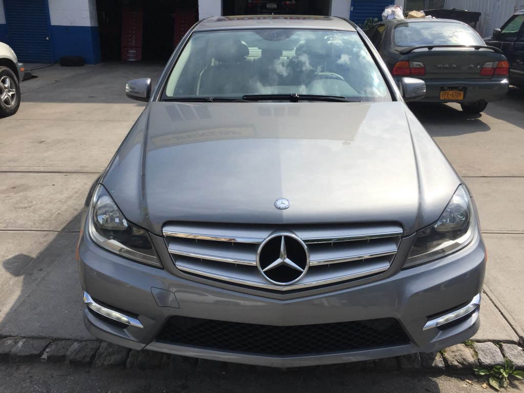 Used 2012 mercedes benz c300w4 sedan 17 for Used mercedes benz for sale cheap
