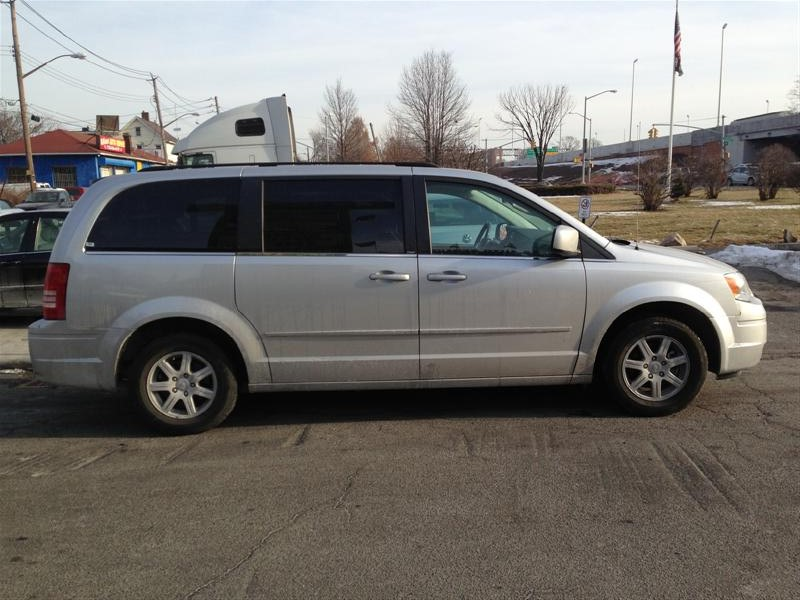 used 2010 chrysler town country minivan 10. Black Bedroom Furniture Sets. Home Design Ideas