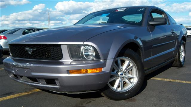 used 2007 ford mustang 2 door coupe 8. Black Bedroom Furniture Sets. Home Design Ideas