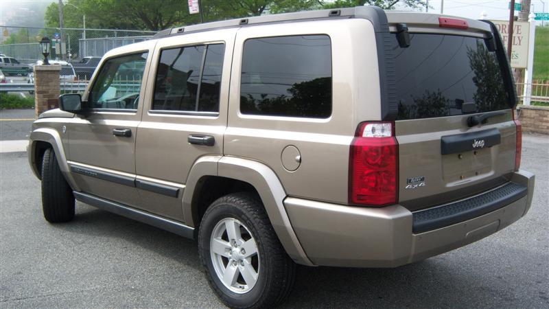 used 2006 jeep commander 4x4 sport utility 9. Black Bedroom Furniture Sets. Home Design Ideas