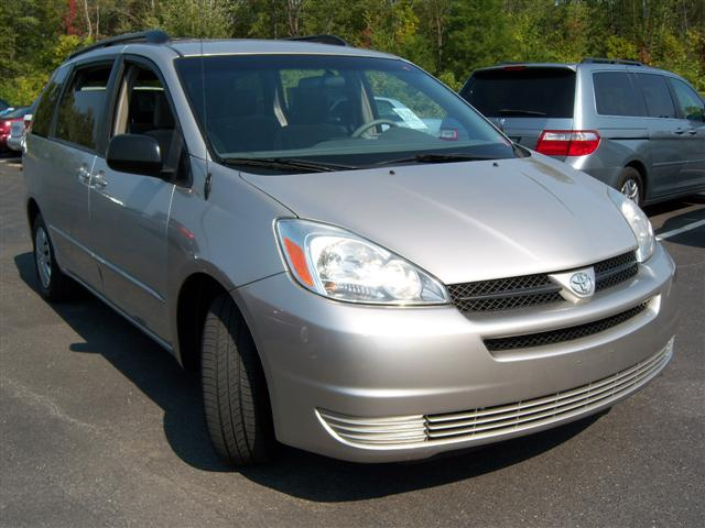 offers used car for sale 2005 toyota sienna mini van passenger 9. Black Bedroom Furniture Sets. Home Design Ideas