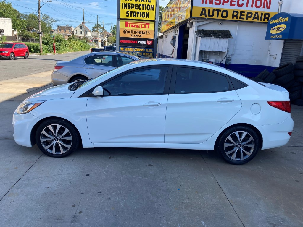 Used - Hyundai Accent VALUE EDITION Sedan for sale in Staten Island NY
