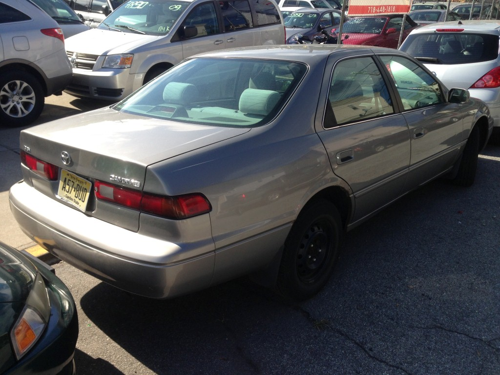 offers used car for sale 1999 toyota camry sedan 2 in staten. Black Bedroom Furniture Sets. Home Design Ideas