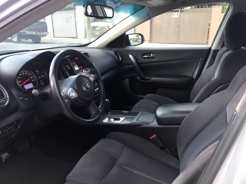 Used - Nissan Maxima SE Sedan for sale in Staten Island NY