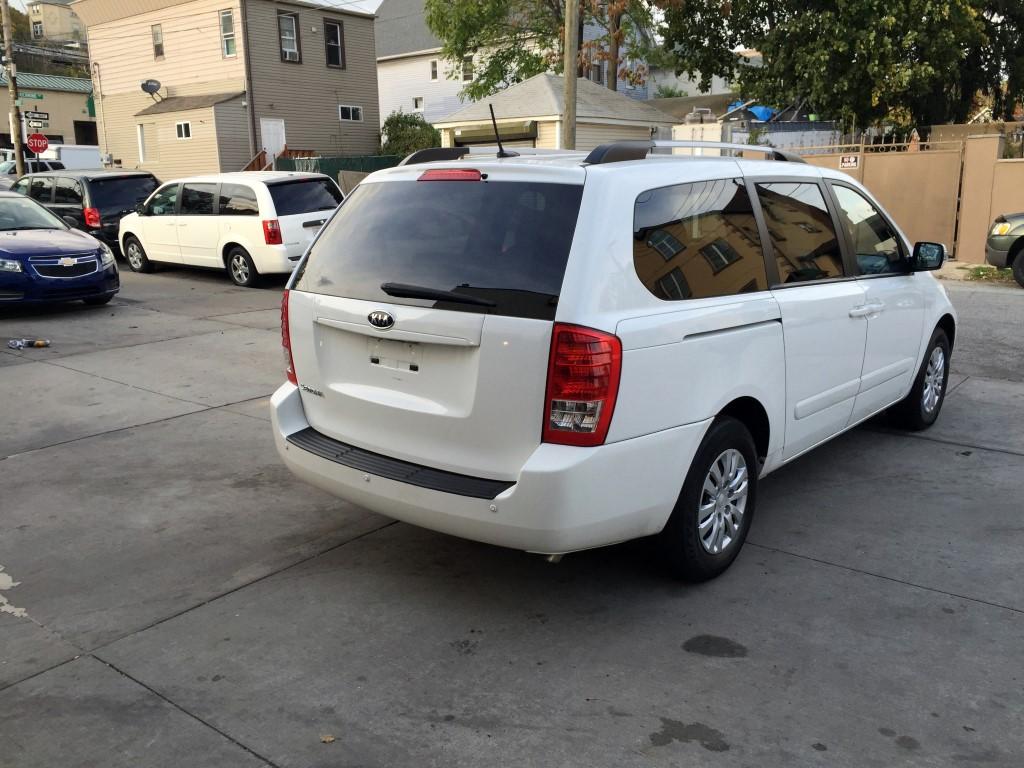 Used 2012 Kia Sedona Lx Minivan 6 990 00