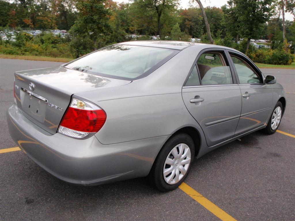 offers used car for sale 2005 toyota camry sedan 7 in staten. Black Bedroom Furniture Sets. Home Design Ideas