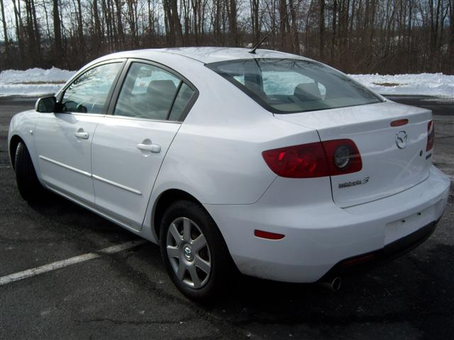 http://www.cheapusedcars4sale.com/images/Used-Cars-for-Sale/503631/Mazda-Mazda3-2006-503631-extra-3.JPG