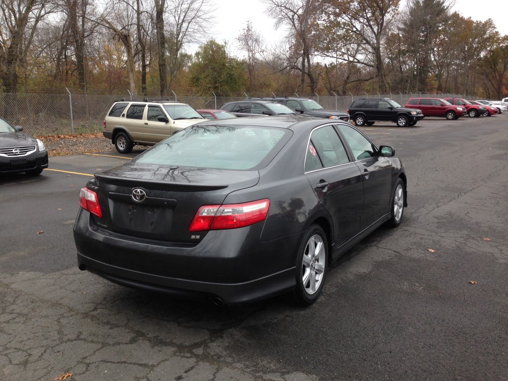 offers used car for sale 2007 toyota camry sedan 8 in staten. Black Bedroom Furniture Sets. Home Design Ideas