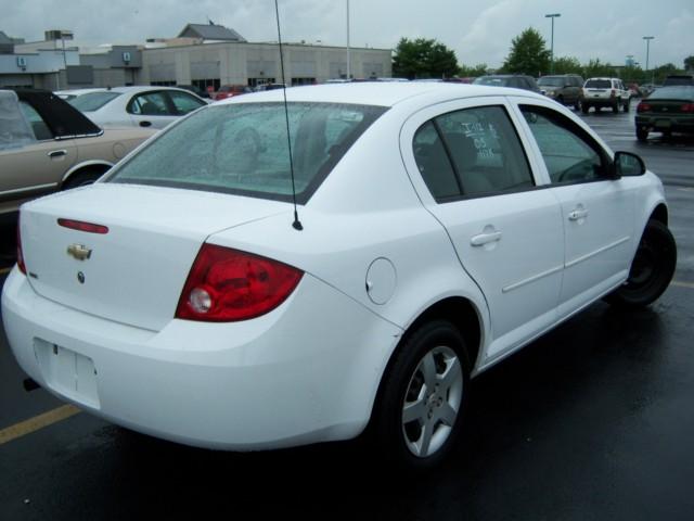 offers used car for sale 2005 chevrolet cobalt 4 door sedan 3. Black Bedroom Furniture Sets. Home Design Ideas