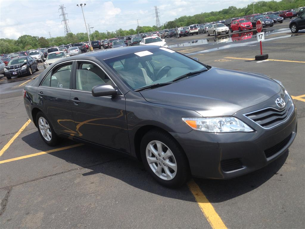 Pre-owned Car CamryToyota