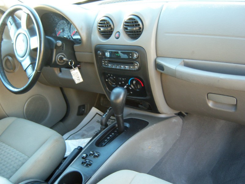 Used 2007 jeep liberty sport utility 7 for Jeep liberty interior accessories