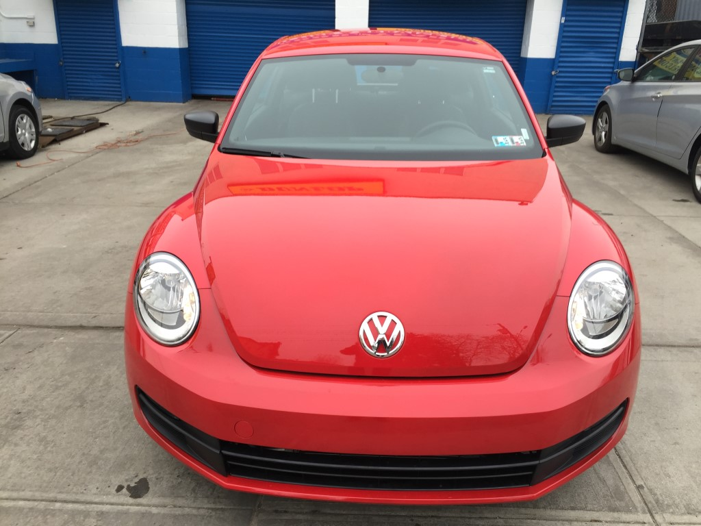 used 2014 volkswagen beetle coupe 1 8t entry coupe 10. Black Bedroom Furniture Sets. Home Design Ideas