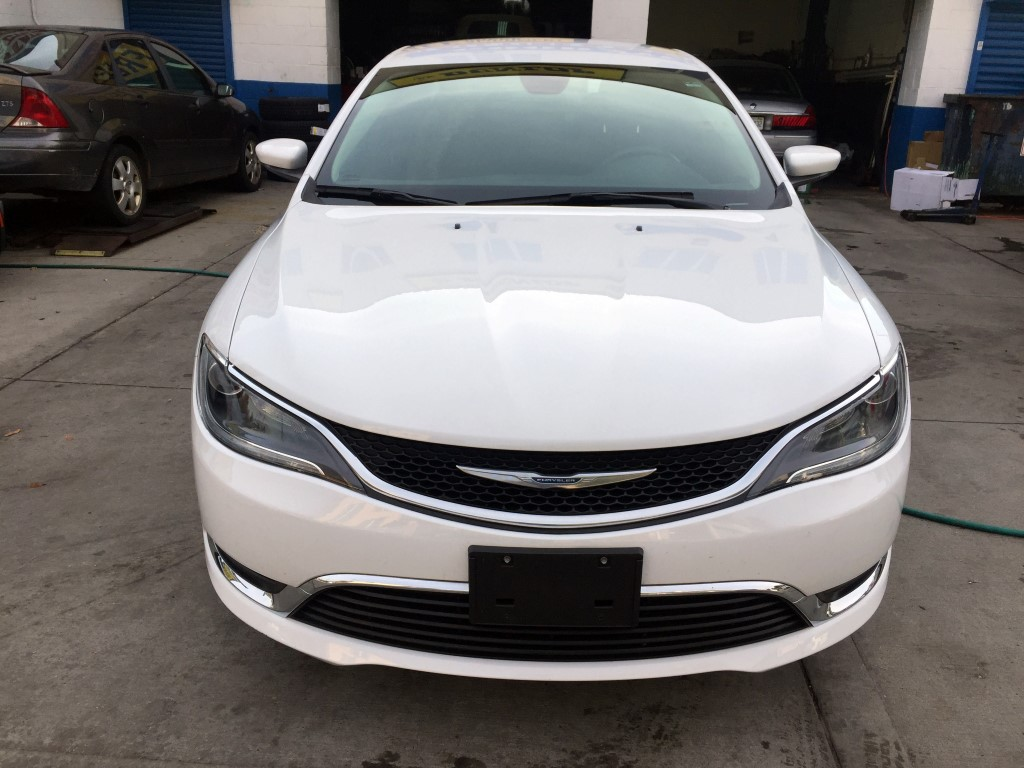 Used 2015 Chrysler 200 Sedan 11 690 00