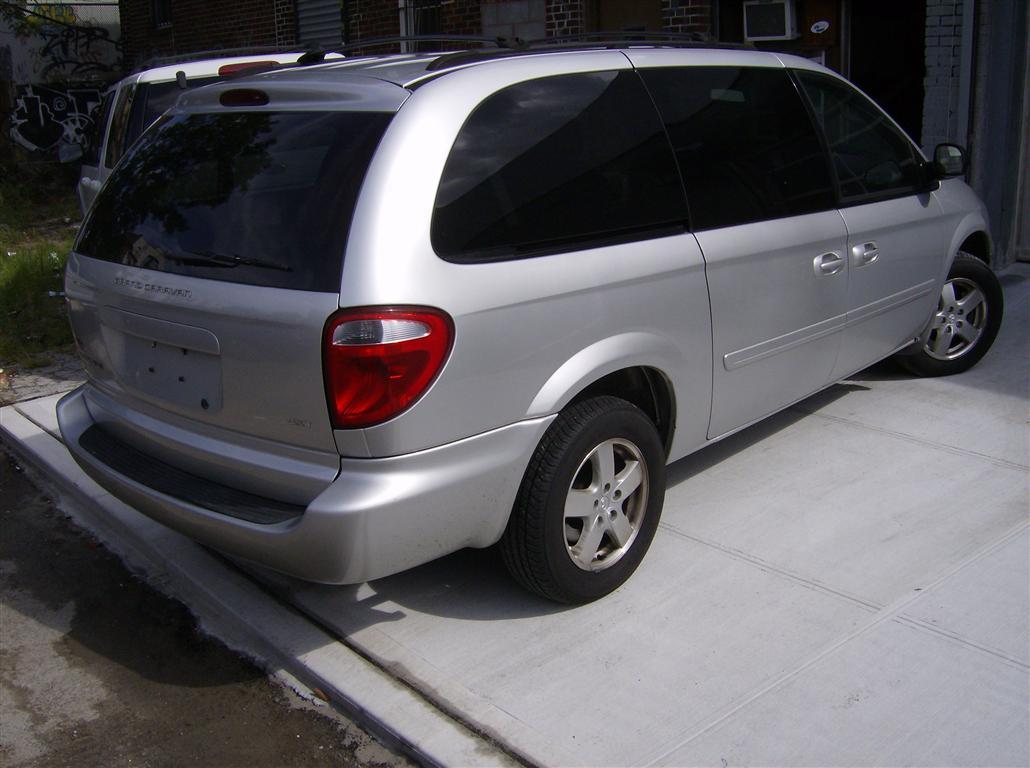 offers used car for sale 2006 dodge grand caravan sxt minivan 5. Black Bedroom Furniture Sets. Home Design Ideas