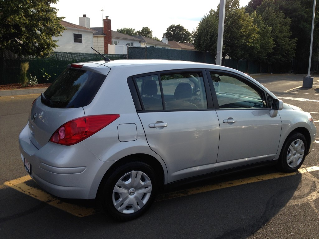 Used 2012 Nissan Versa Hatchback 5 490 00