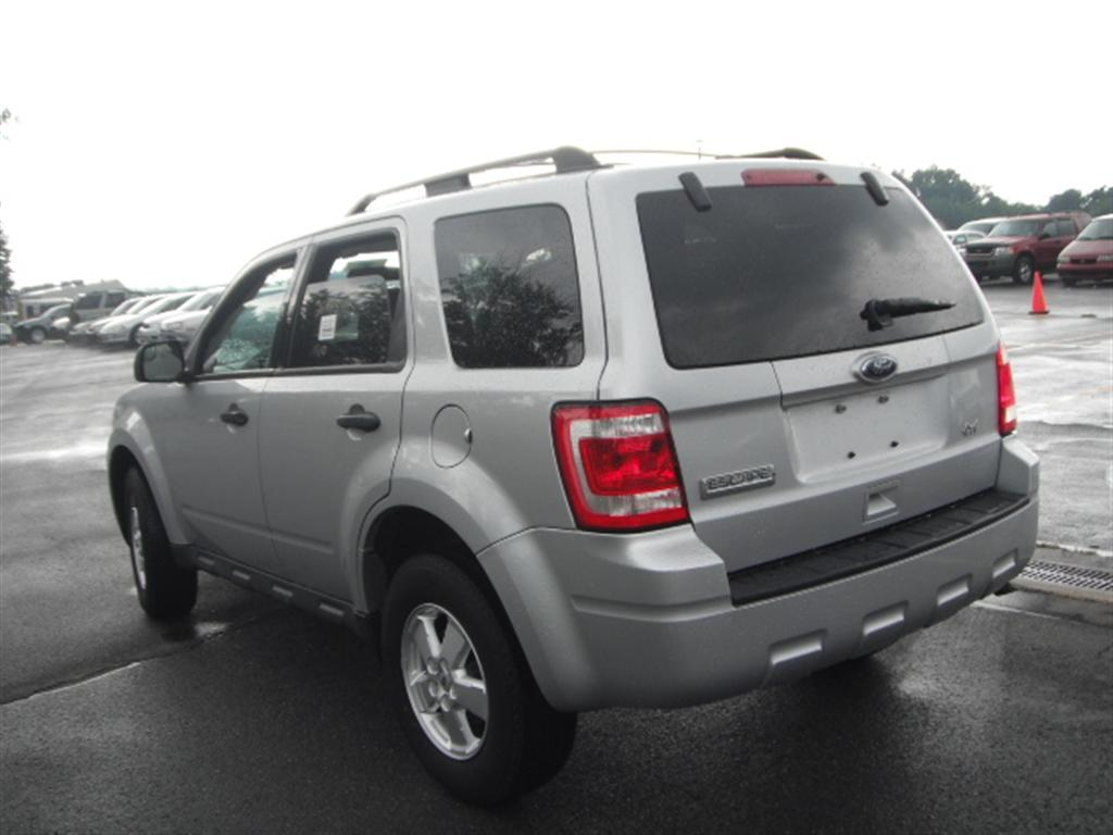 offers used car for sale 2010 ford escape xls sport utility 4wd 11 590. Black Bedroom Furniture Sets. Home Design Ideas