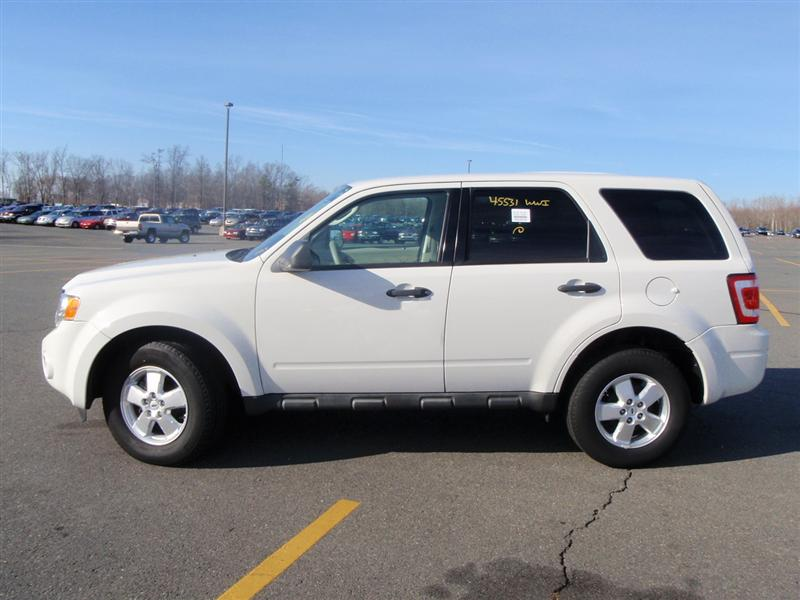 offers used car for sale 2009 ford escape xls sport utility 4wd 10 890. Black Bedroom Furniture Sets. Home Design Ideas